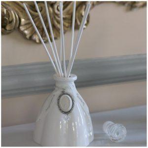 Mathilde M - Diffuseur de parfum d' ambiance Marie Antoinette blanc astree